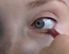 how to put on eyeliner lower lids. Eyeliner application.