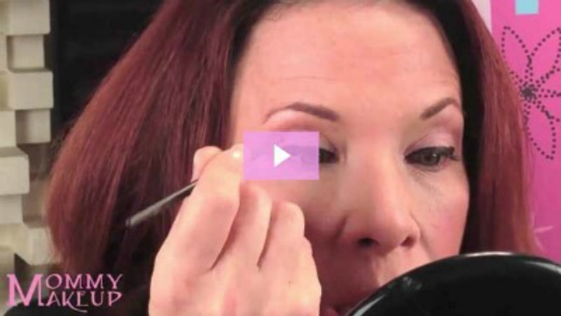 how to put on eyeliner for women over 40